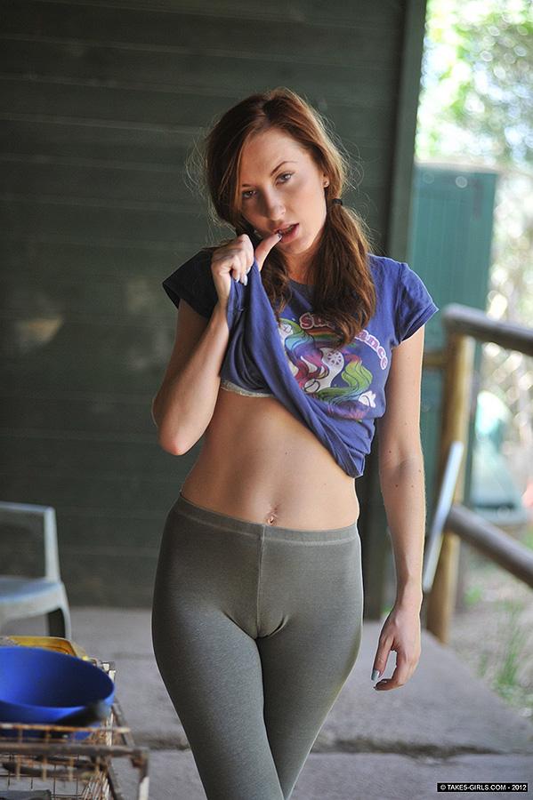 babes-in-leggings-porn